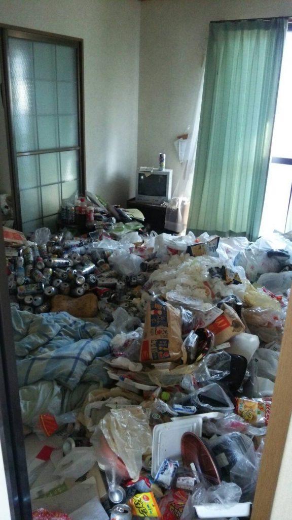神戸のゴミ屋敷の写真