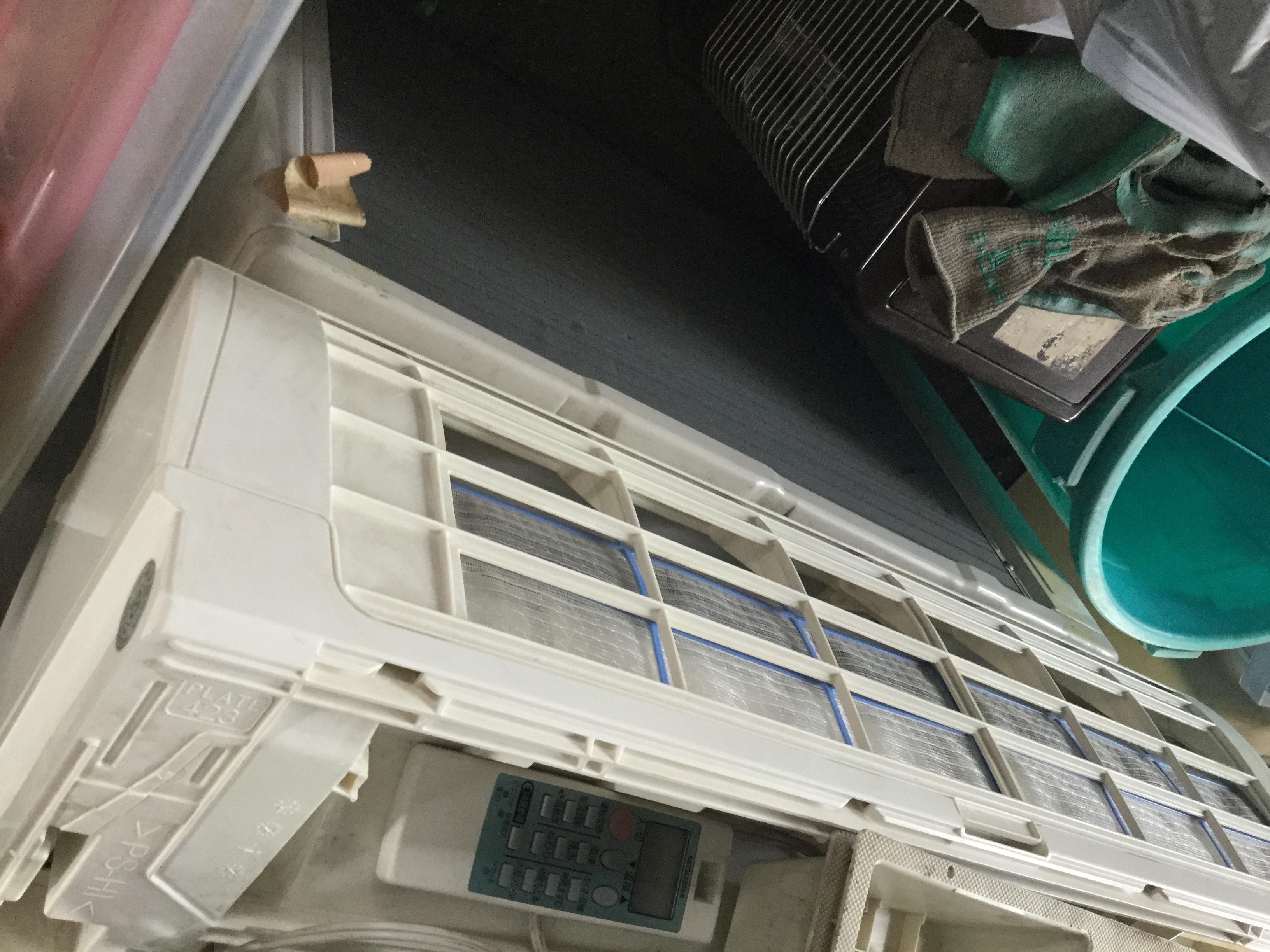 姫路市でのエアコンの取り外しから回収