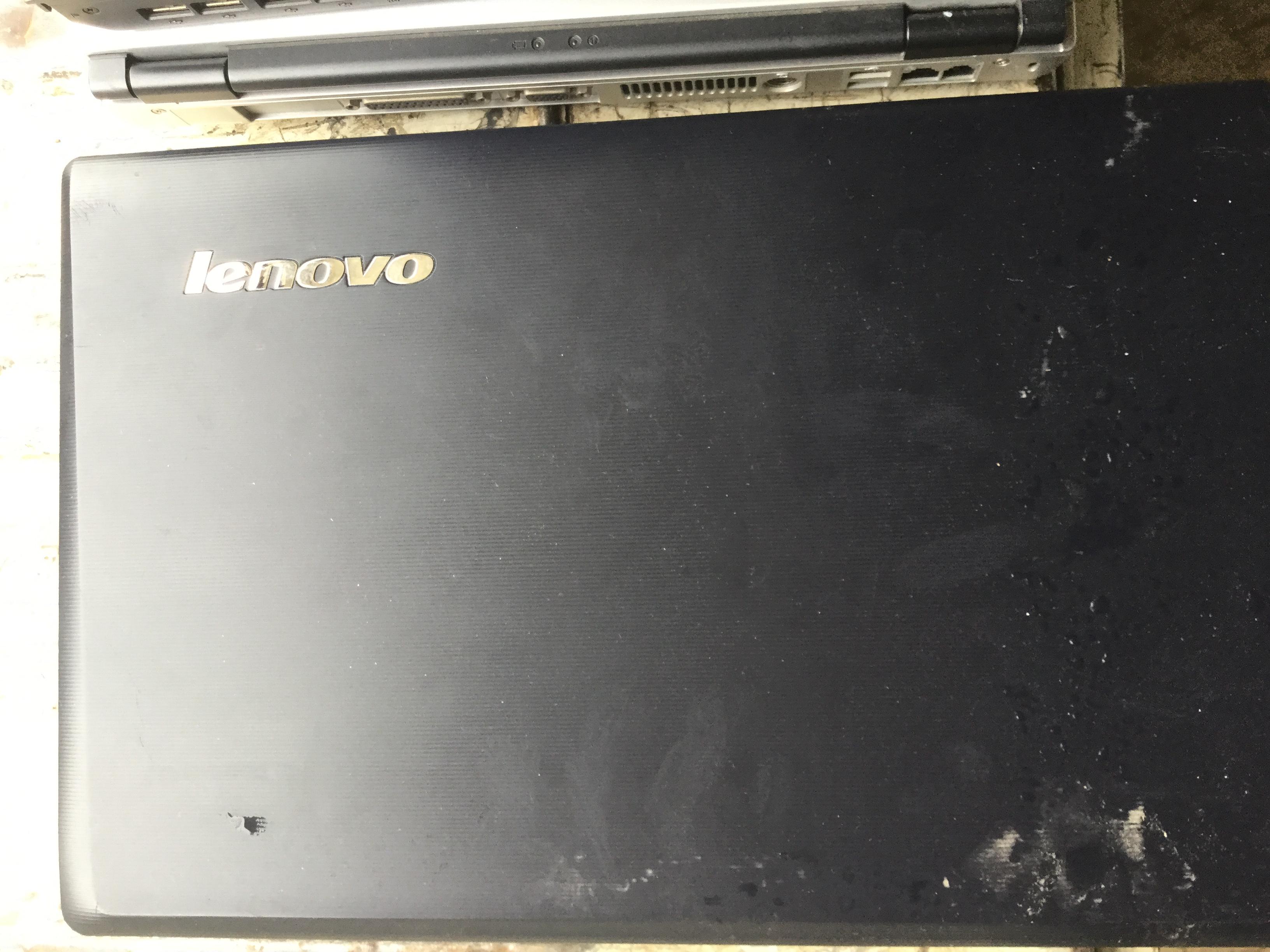 姫路市でタイヤと一緒に回収したノートパソコン