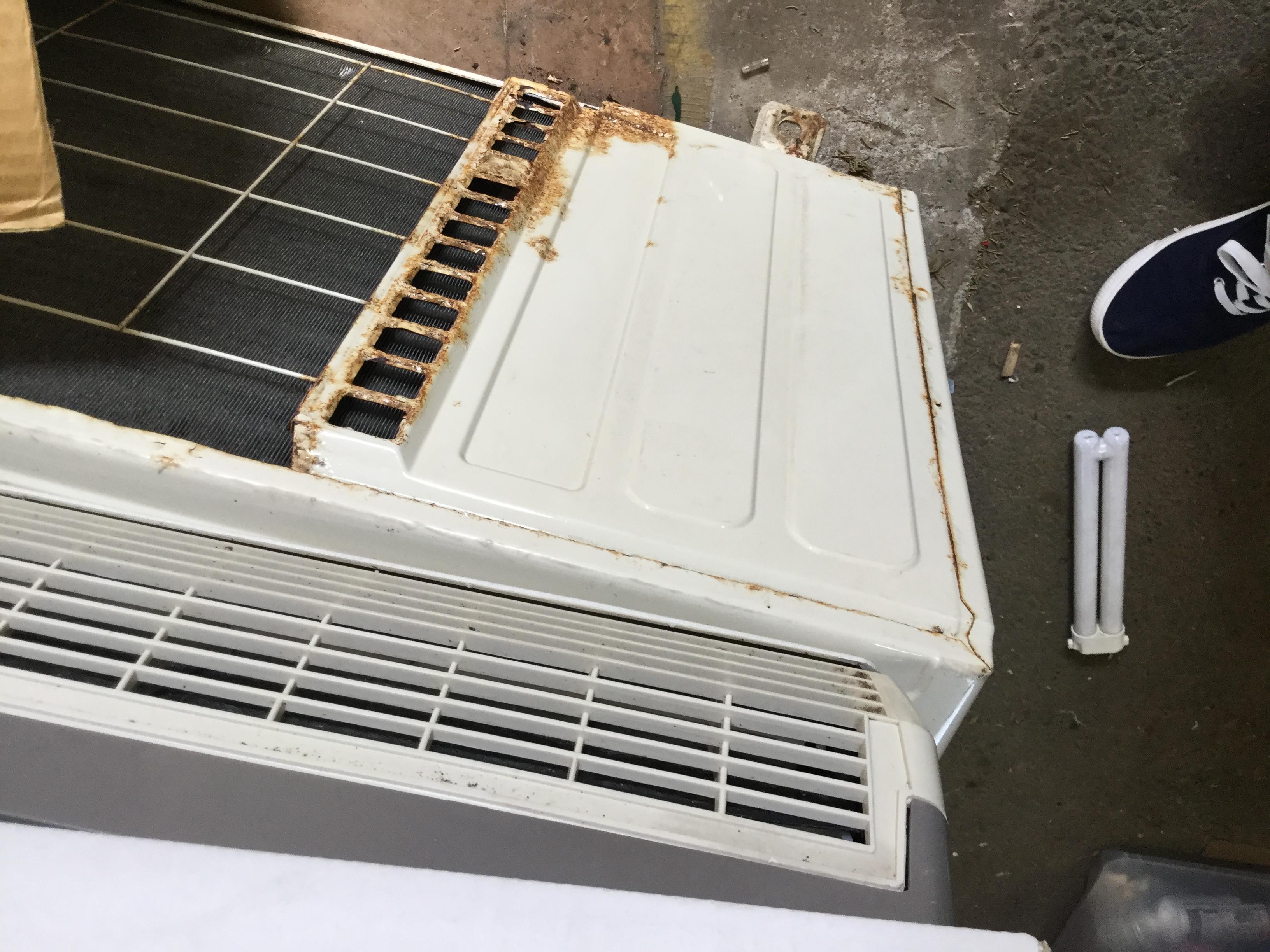 姫路市大津区付近で回収させて頂いたエアコンです。